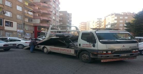 Yasak park eden araçlar çekildi
