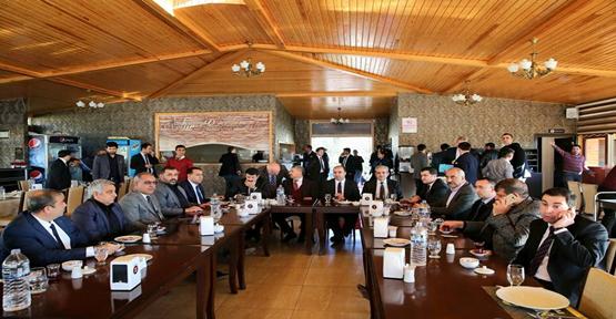 Yerel yönetimler toplantısı Birecik'te yapıldı